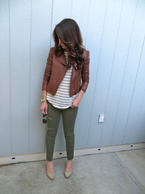 a printed tee, a cropepd brown leather jacket, olive skinnies, nude shoes