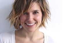 14 a short shaggy layered haircut with balayage and messy waves for an edgy look