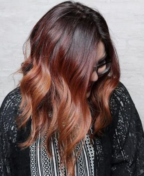 ombre hair from black to auburn and chestnut for a bright look