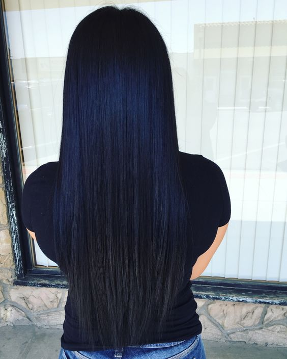 midnight blue to black straight ombre hair looks amazing thanks to the length