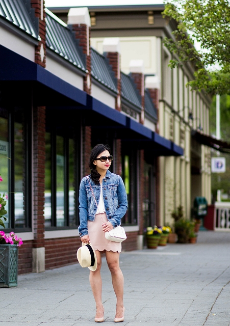 With denim jacket, white top, white bag, hat and pumps
