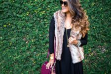 04 a navy over the knee dress, grey booties, a faux fur vest and a fuchsia bag for fall
