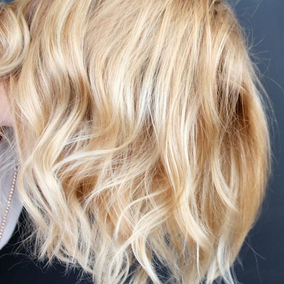 a super trendy and all-natural light beige blonde is a chic and refined idea for every lady