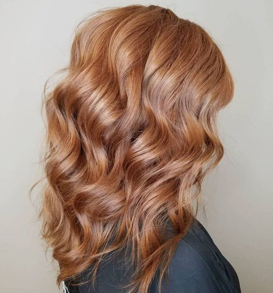 strawberry blonde is a romantic idea for those who love something different and eye-catchy, plus it's very trendy
