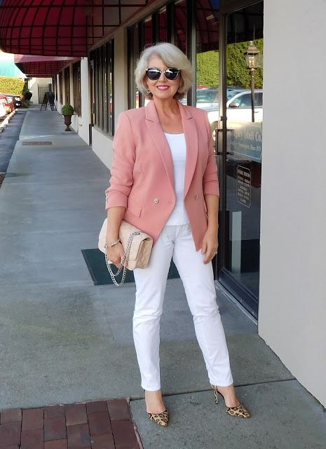 a simple look with a white top, white jeans, leopard shoes, a pink blazer and a neutral crossbody bag
