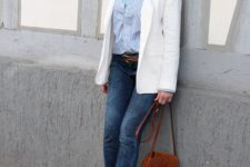 12 blue skinnies, a striped shirt, a creamy blazer, blue shoes and a little brown bag