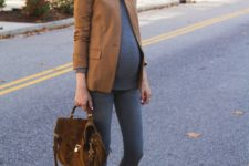 15 grey skinnies, a grey long sleeve top, a camel blazer, beige booties and a brown bag
