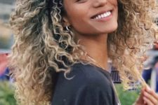 16 such a mop of natural Afro curls in natural blonde looks just breathtaking