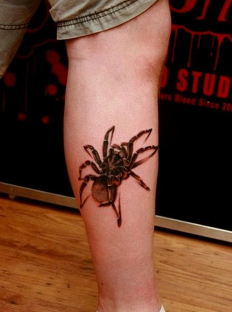 Gorgeous tattoo idea on the leg
