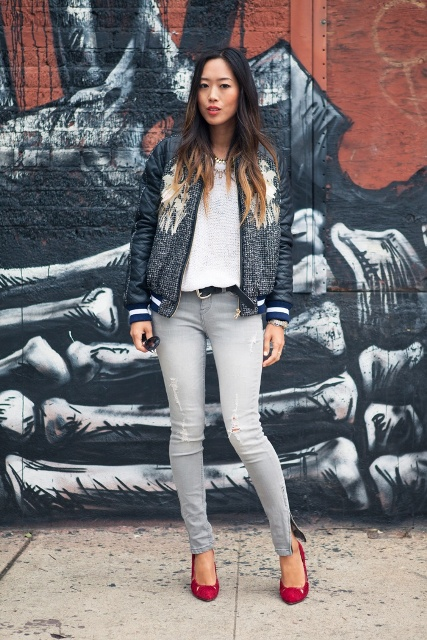 With white loose shirt, gray skinny pants and red pumps