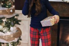 christmas look that is cozy and comfy