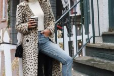 10 a white turtleneck, blue jeans, red boots, a long leopard coat and a black bag for a touch of chic