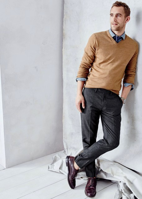 With shirt, tie, gray trousers and marsala shoes