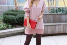 10 a casual look with a long pink sweater, chocolate-colored leather pants, red spiked shoes and a red clutch