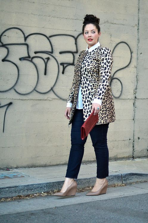 navy skinnies, a white shirt, a leopard short clutch, nude wedges and a red clutch