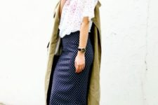 With printed loose shirt, trench coat and white heels