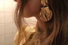 07 gorgeous statement gold shell earrings for a beach party or wedding