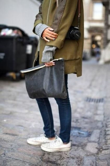a soft grey oversized clutch is a cool idea to rock this spring