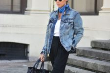 With white shirt, blue scarf, high-waisted pants, tote bag and black and white sneakers