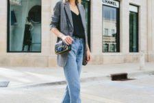06 blue cropped jeans, a black tee, a grey blazer, nude and black slingbacks and a bag