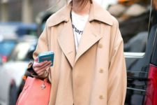 13 an oversized beige trench is a cool idea for this spring, it guarantees a hot look