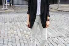16 off-white cropped pants, a white tee, a black oversized blazer and hot pink heels