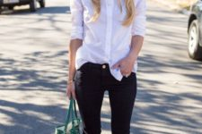 02 a white oversized shirt, black skinnies, red lace up shoes and a green tote