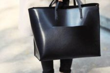 03 a large partly shiny and partly matte black tote si a very comfortable option