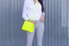07 a white shirt, grey skinnies, neon yellow heels and a matching bag that make the look pop