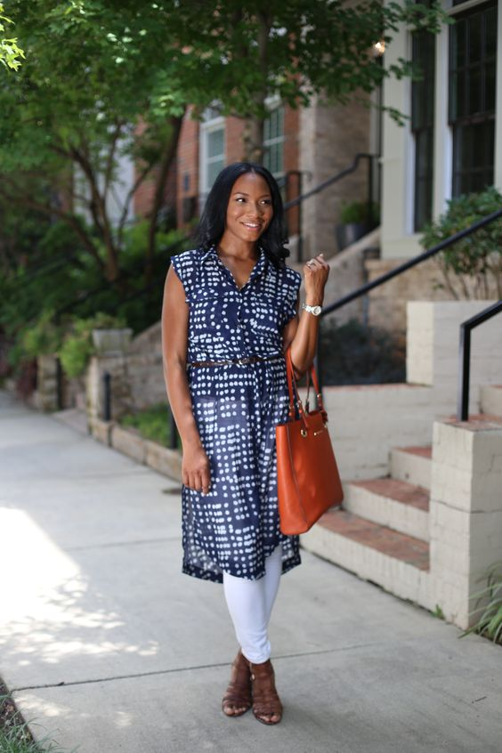 a long navy printed tunic, white skinnies, brown heels and a rust-colored bag