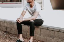 13 a white tee, black rolled up jeans, black mules for a casual and comfy summer look