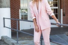 15 a pink pantsuit, a neutral top, white sneakers for a bright summer look