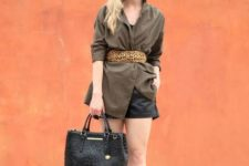 With long blazer, shorts, black bag and lace up shoes