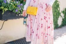 With striped long sleeved shirt, yellow mini bag and beige flat shoes