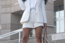 07 a creamy short suit, a white button down, nude heels and a matchign bag for work in summer
