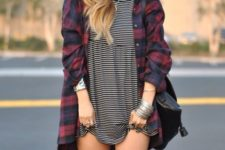 With plaid loose long button down shirt and black bag