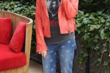 With printed t-shirt, red jacket and black flat shoes
