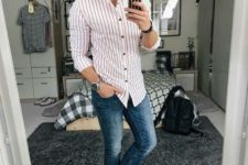 02 a stylish casual summer look with blue jeans, a striped red and white shirt, red and white Adidas sneakers