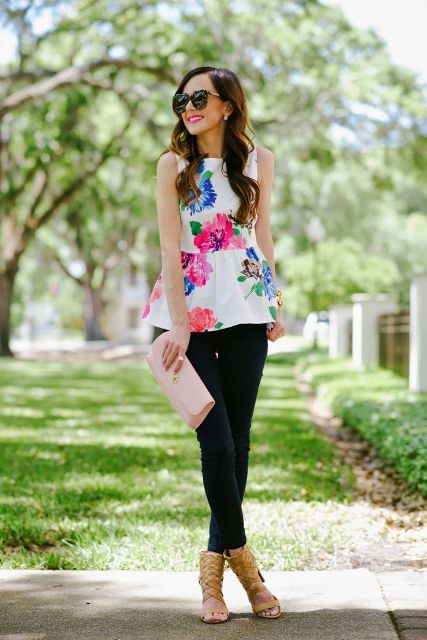 With black skinny trousers, pale pink clutch and yellow high heels