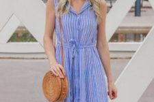 With straw rounded bag