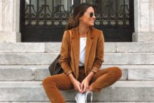 04 a rust-colored suit, a white tee, white sneakers are amazing and fashionable for the fall
