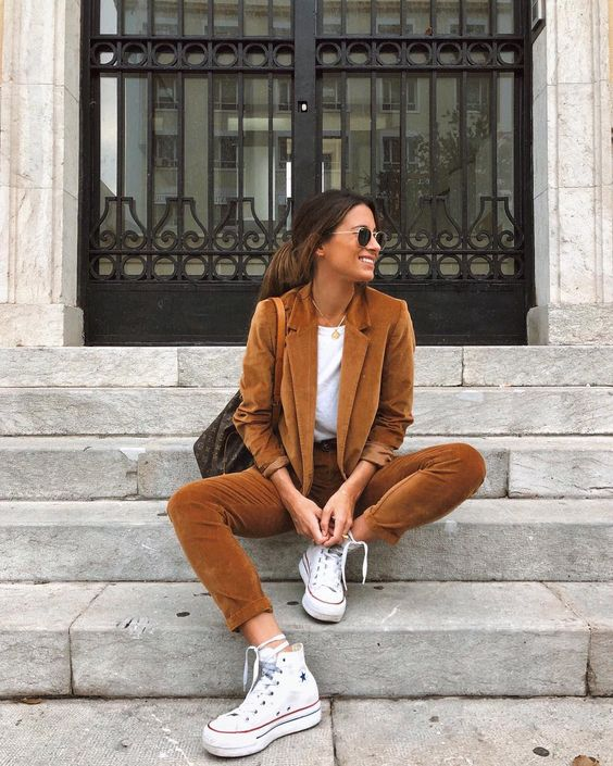 a rust colored suit, a white tee, white sneakers are amazing and fashionable for the fall
