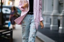 09 a trendy outfit with baggy jeans, green whimsy shoes, a black tee and a light pink oversized blazer