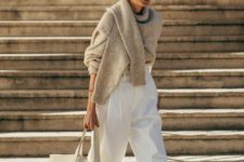 11 an oversized off-white tote with a logo is a perfect match to the minimalist outift like this one