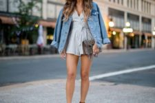 14 a striped jumper, brown espadrilles, an oversized blue denim jacket and a brown bag for summer