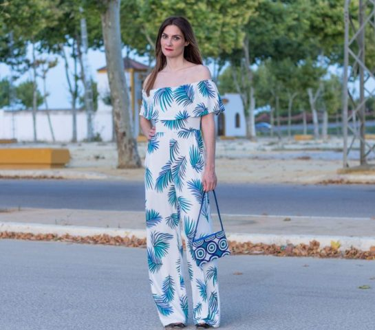With printed bag and high heels
