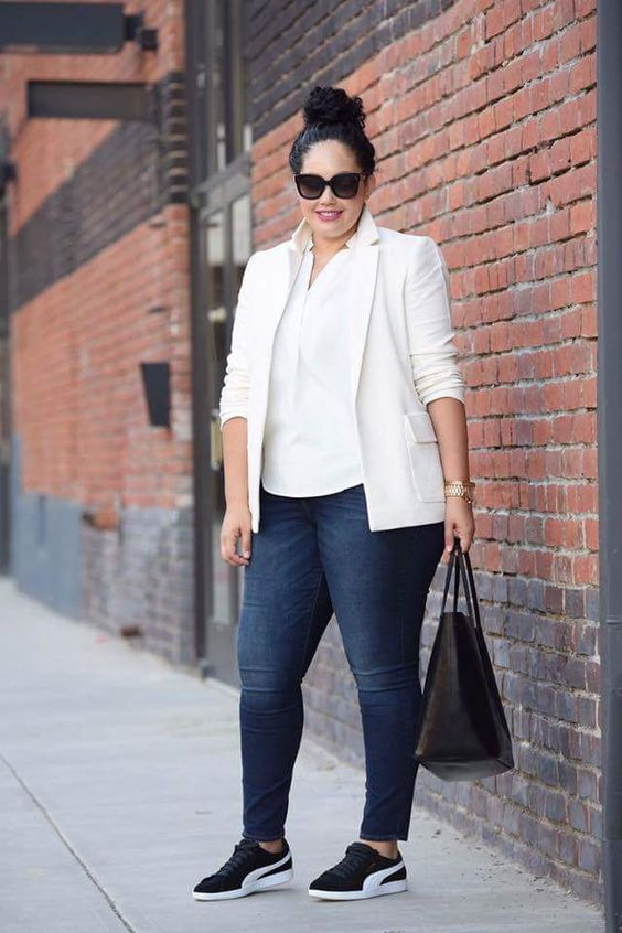a casual work look with navy skinnies, a white shirt, a creamy blazer, black sneakers and a black tote