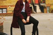02 black skinnies, a printed tee, a plaid coat and black suedde platform boots with red laces