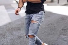 03 a black fitting shirt, blue ripped jeans and white sneakers for a simple weekend look