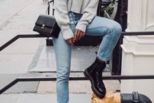 03 a cropped oversized grey sweater, blue jeans and black platform shoes plus a black bag